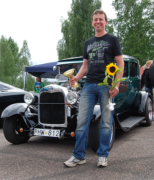 "Sven ""Duva"" Olsson med sin Hot Rod"